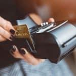 Quel est le moyen de paiement le plus utilisé par les particuliers ?